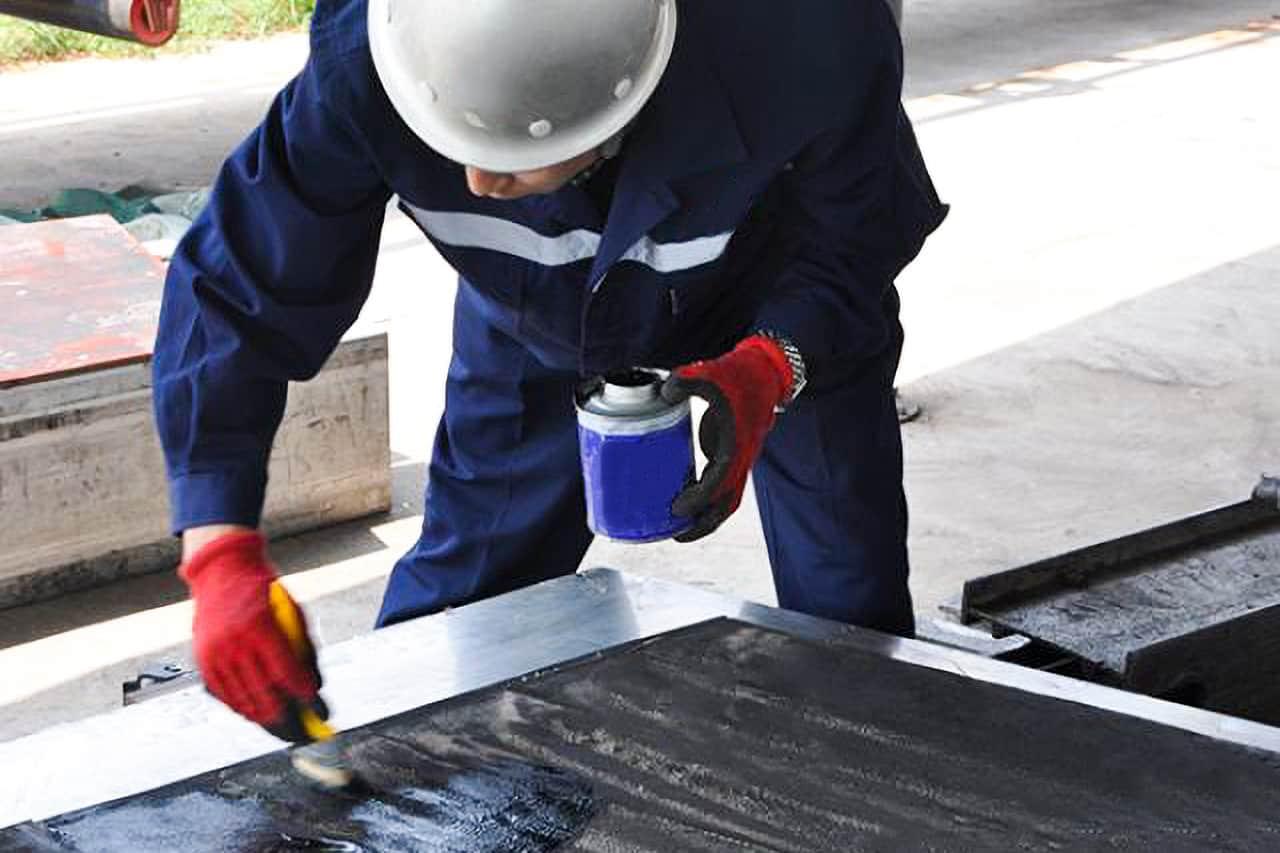 طريقة الإصلاح السريع للطبقة التالفة من حزام النقل المطاطي في الموقع